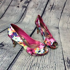 """Coach And Four """"Trudy"""" heels Size 9.5 M"""